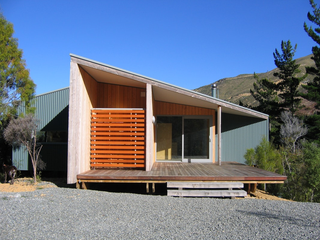 Irving smith architects elaine bay bach - Maison mountain range irving smith jack ...