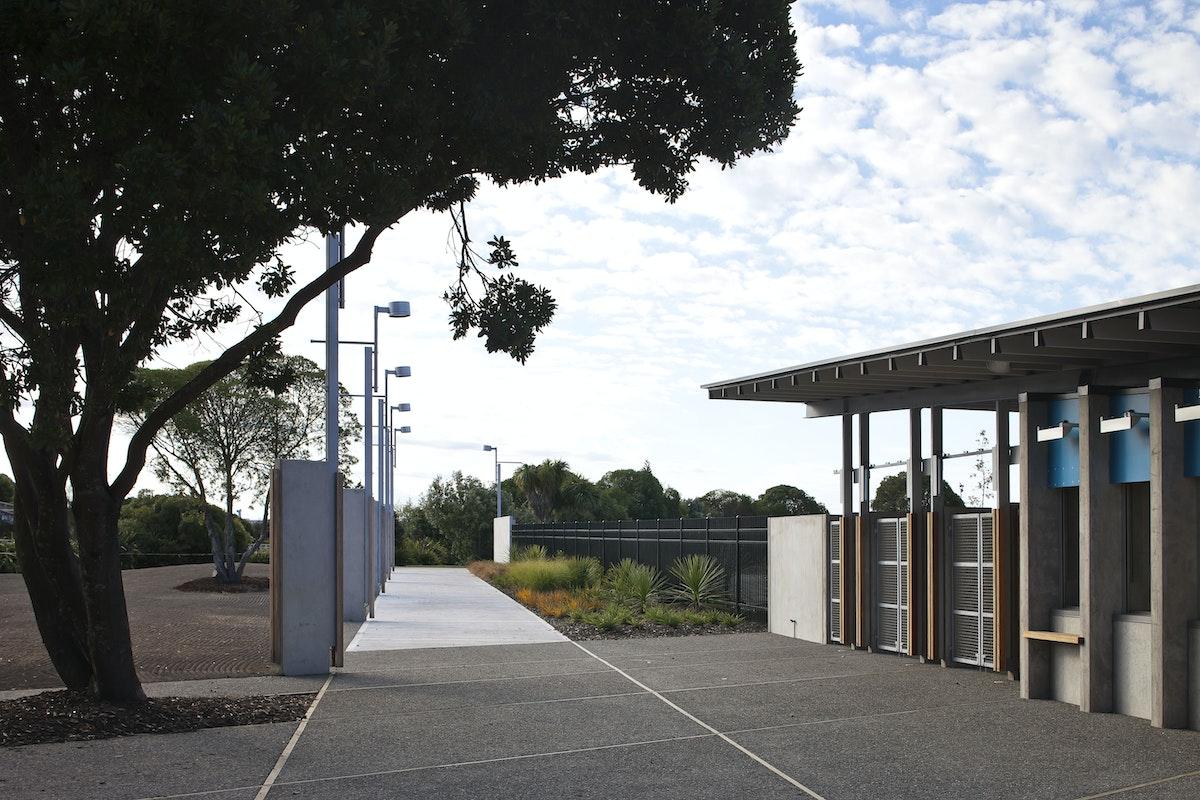 Irving smith architects trafalgar park upgrade - Maison mountain range irving smith jack ...
