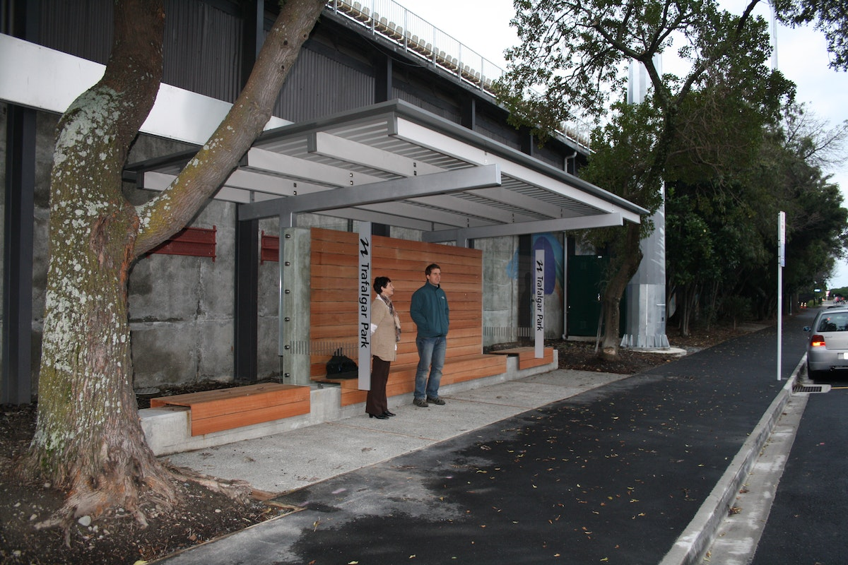 Irving smith architects trafalgar park bus stop - Maison mountain range irving smith jack ...